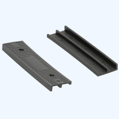 100 stuks schuine kunststof glasblokjes ZWART 100x26x8/4 mm